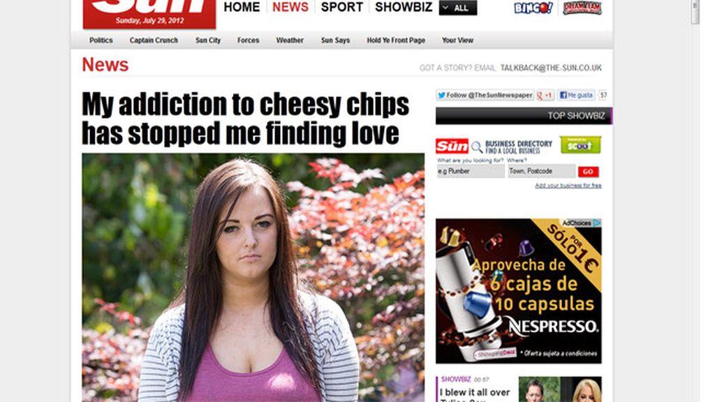 Chica adicta a las patatas con queso