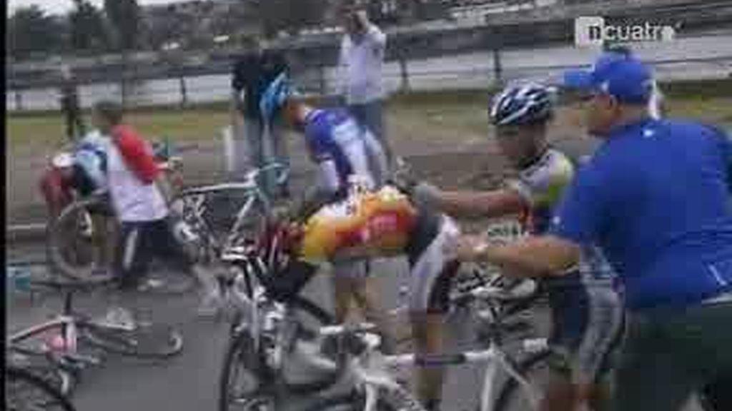 ¡¡La mayor caída de ciclistas de la historia!!