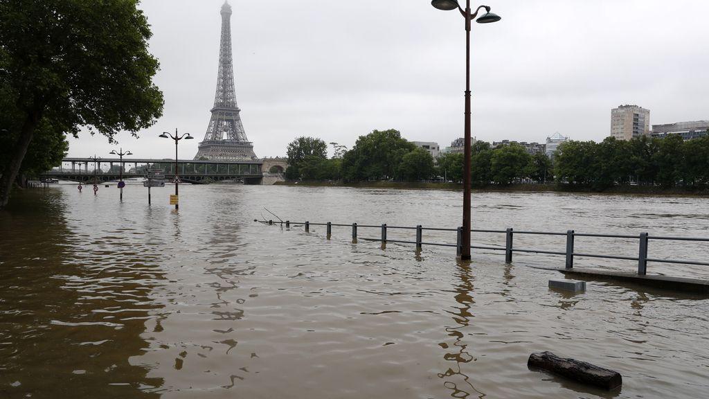 El río Sena se desborda e inunda París