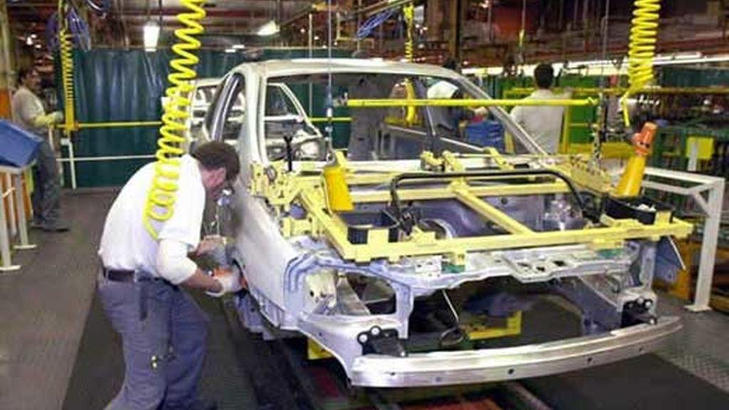 Los trabajadores protestan contra el ERE en Nissan. Vídeo: Informativos Telecinco.