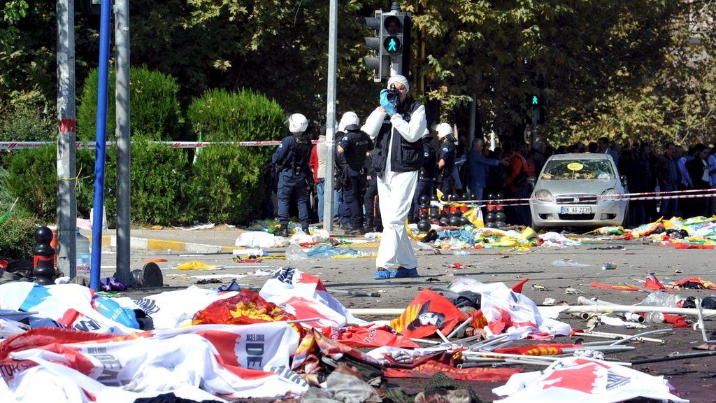 Hay pruebas que apuntan a un doble atentado suicida