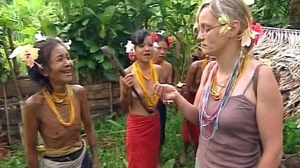 Las mentawai y Sonia cada vez están más unidas