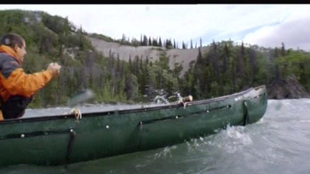 Yukon (Canadá): El último superviviente se cae de una canoa en unos rápidos