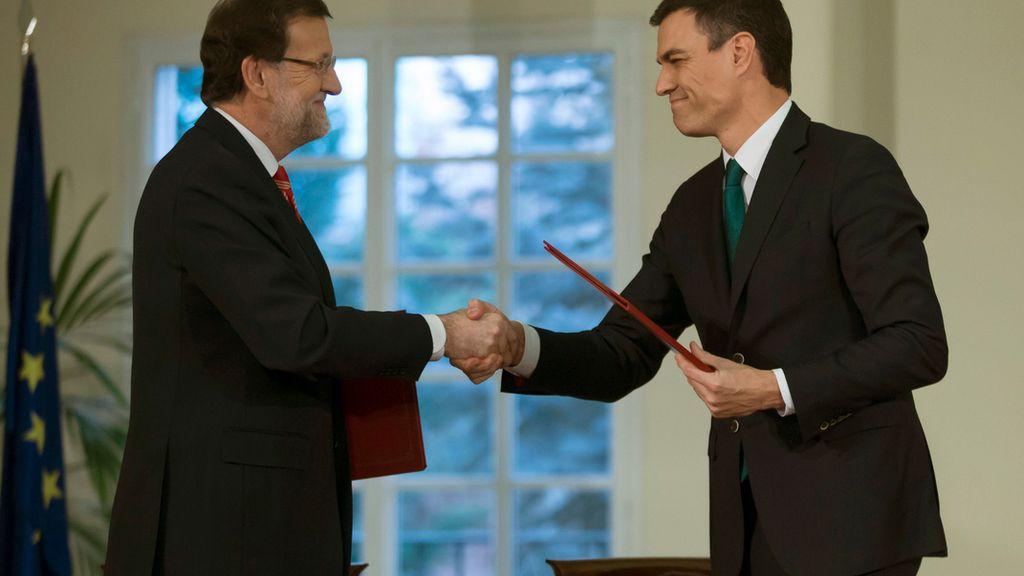 Rajoy y Sánchez tras firmar el pacto antiyihadista