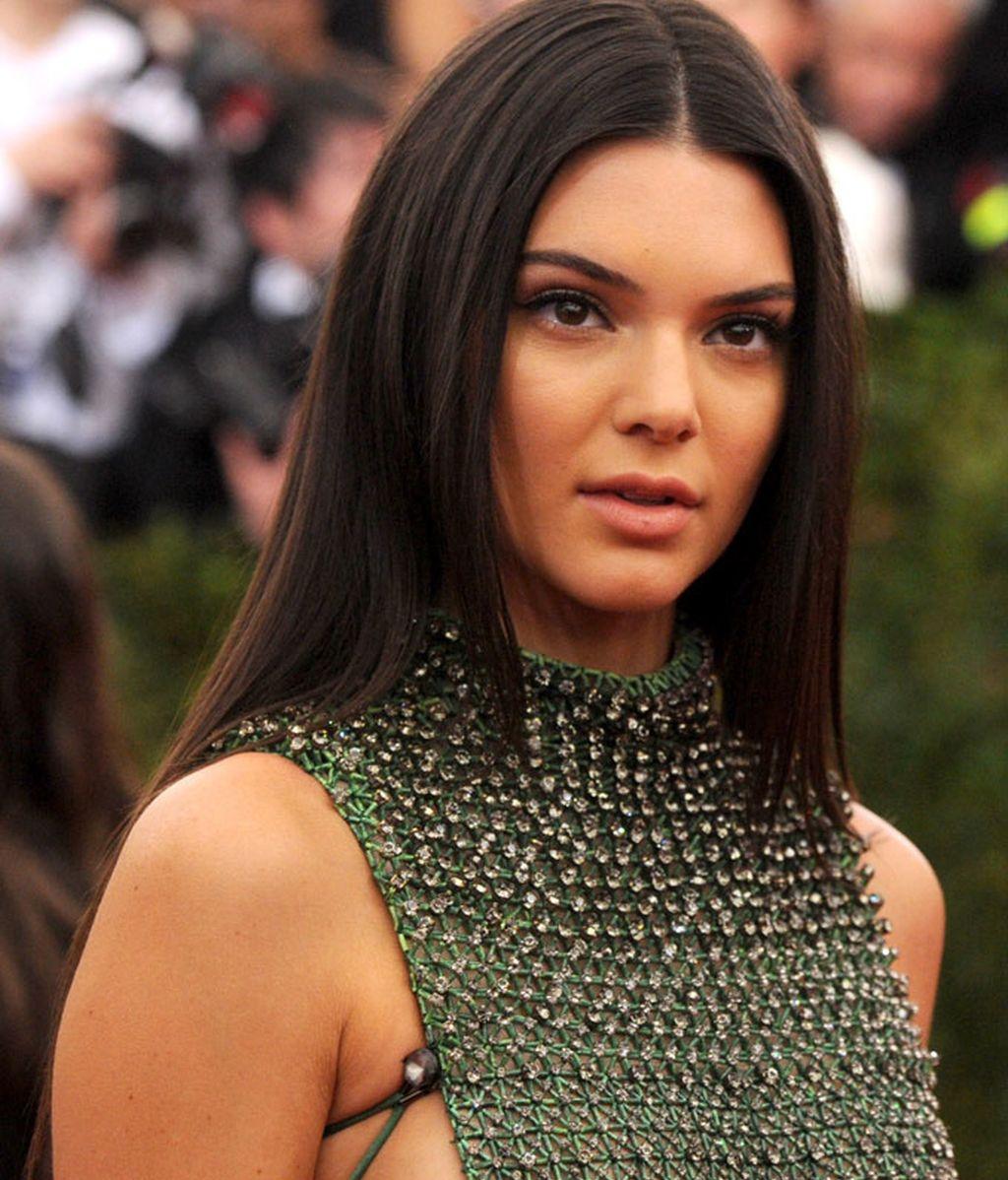 kendall Jenner vestida de Calvin Klein