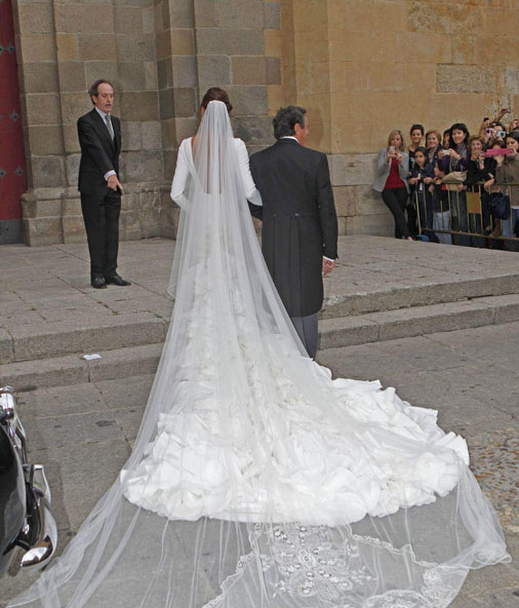 Detalle trasero del vestido, diseñado por Vicky Martin Berrocal