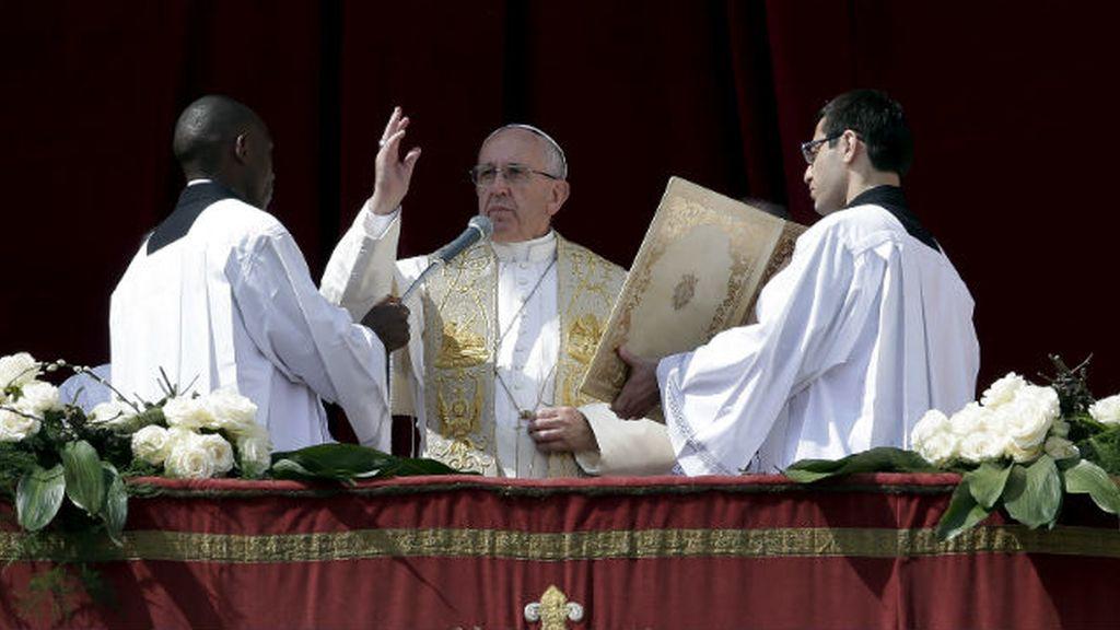 El Papa condena el rechazo a los refugiados y pide la paz en el mundo