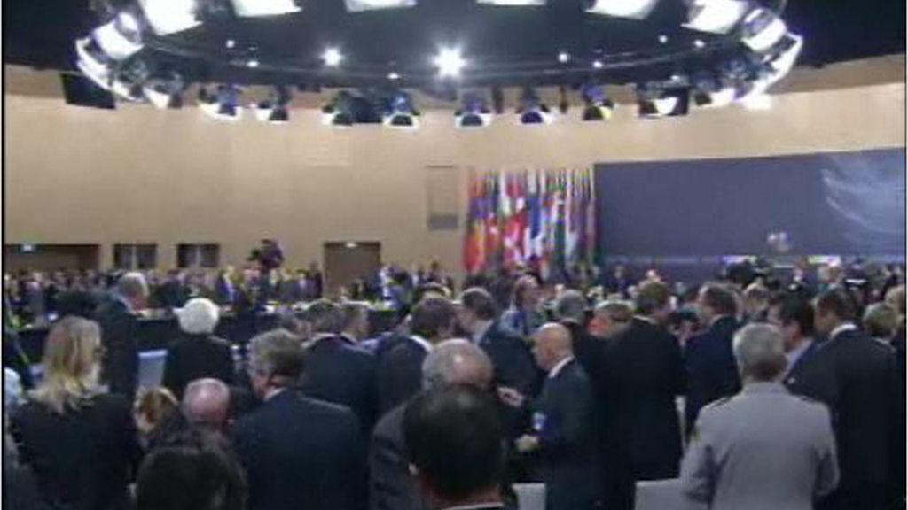La OTAN saldrá de Afganistán entre 2011 y 2014, pero no dejará vacío de poder