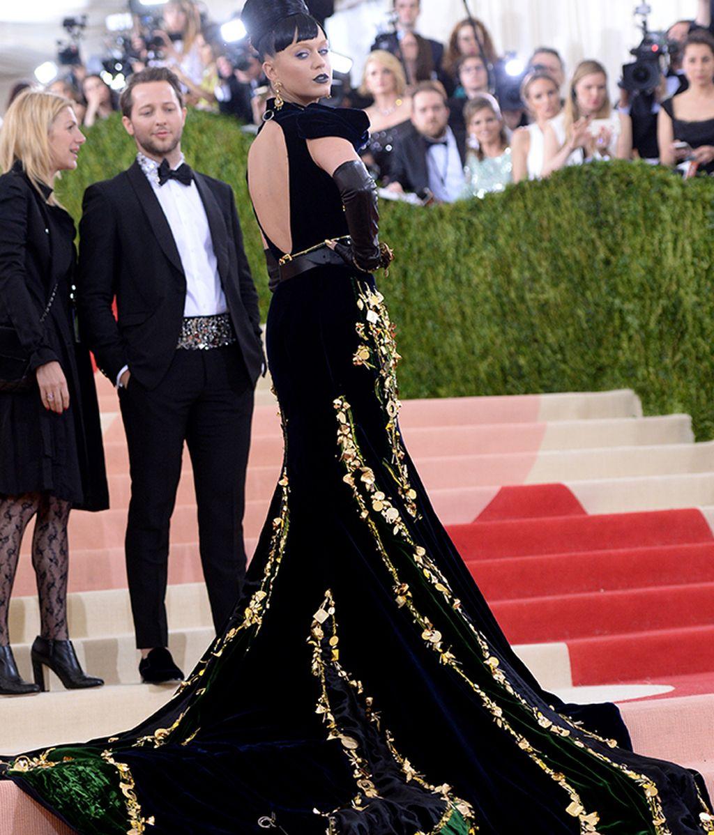 Katy Perry vestida de Prada