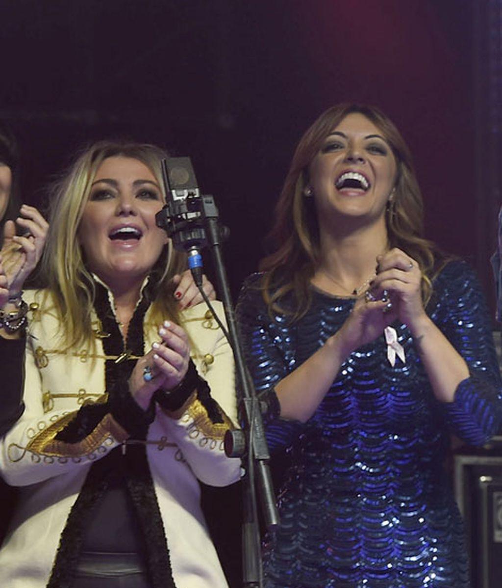 Amaia Montero y Merche cantan juntas en la gala solidaria