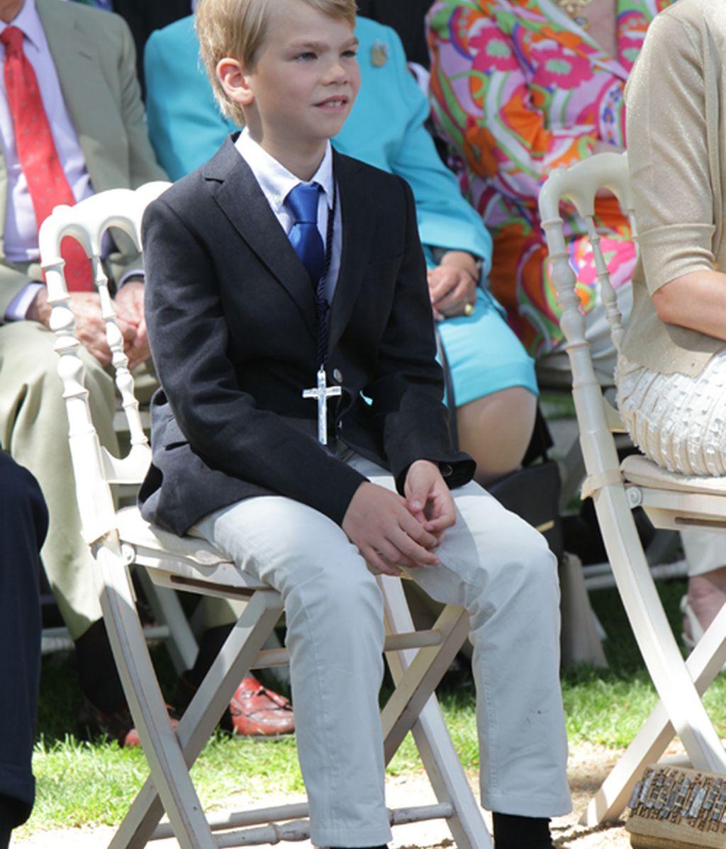 Miguel, el más rubio de los Urdangarín, hace la comunión