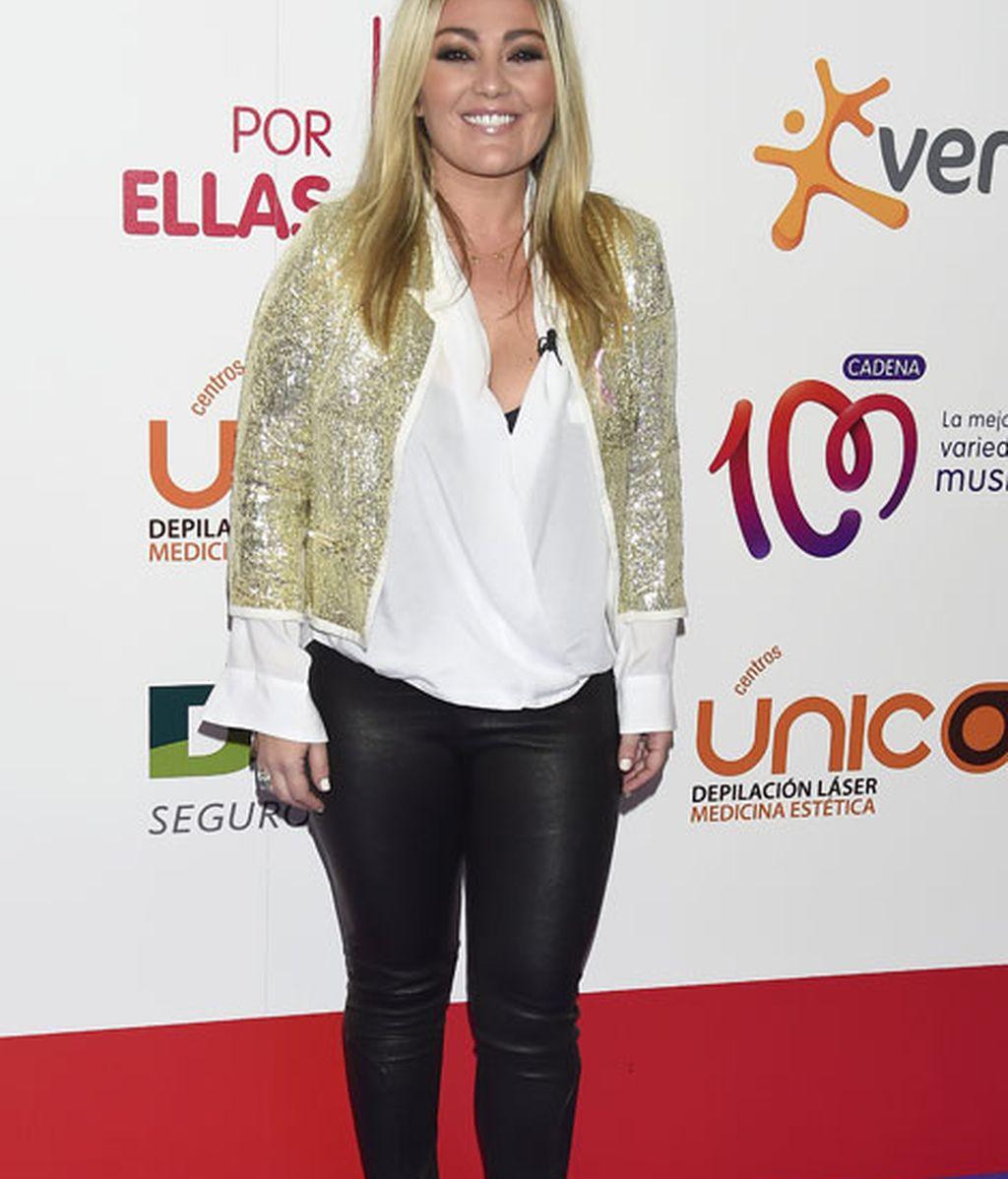 Amaia Montero con 'look' en dorado y negro