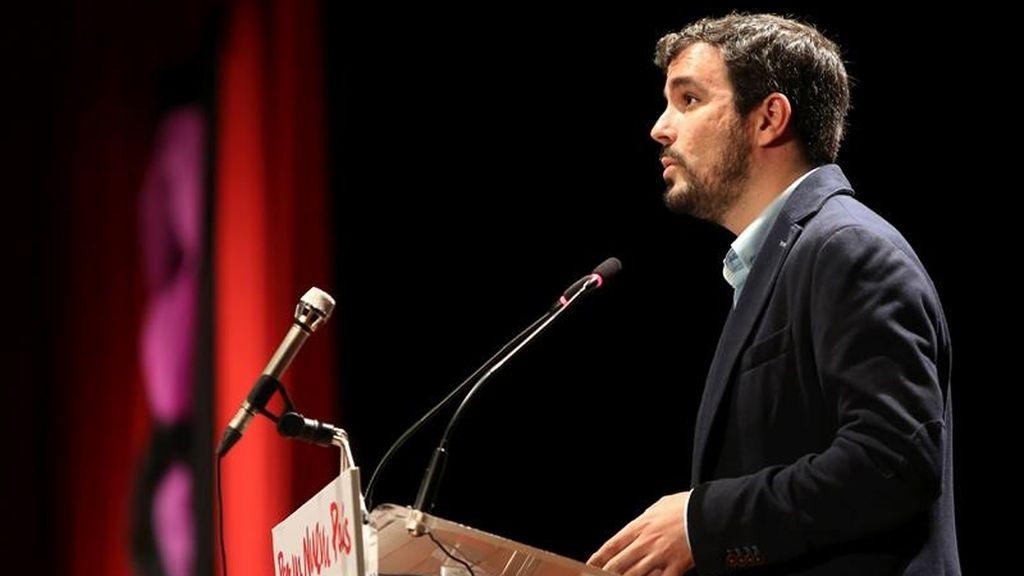 """Garzón ve """"irónico"""" que Rajoy respondiera en televisión más preguntas que en sede parlamentaria"""