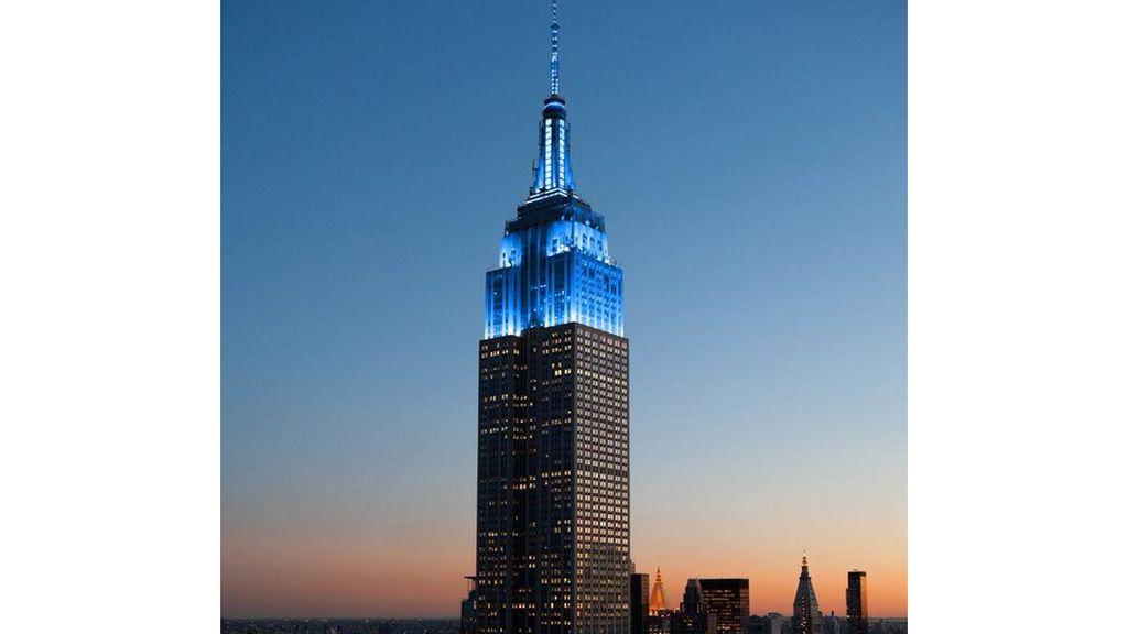 El Empire State iluminado de azul