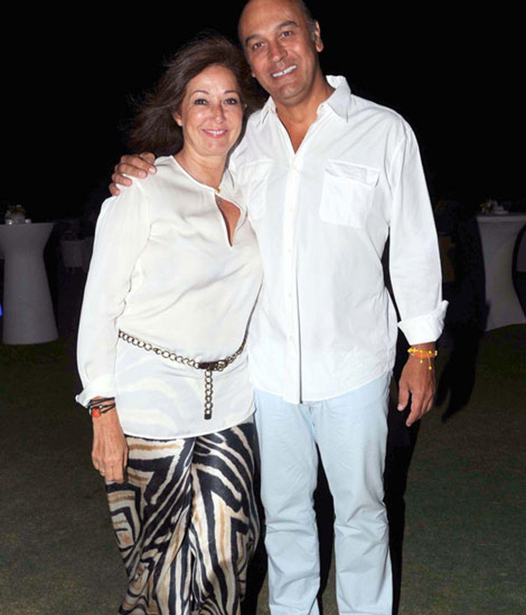 Ana Rosa Quintana y su marido, Juan Muñoz, acudieron perfectamente conjuntados