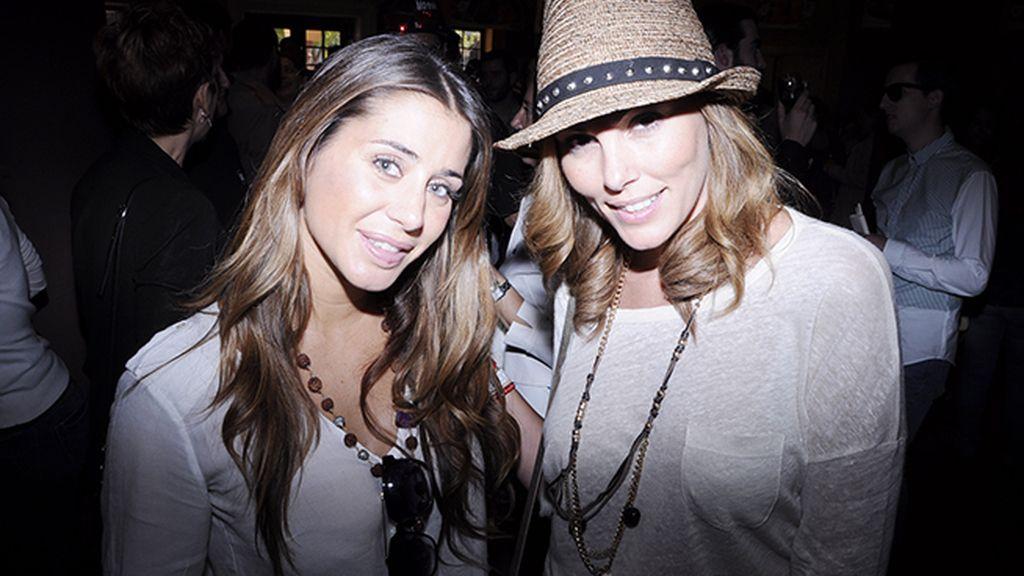 Elena Tablada junto a la ex Miss España Raquel Rodríguez