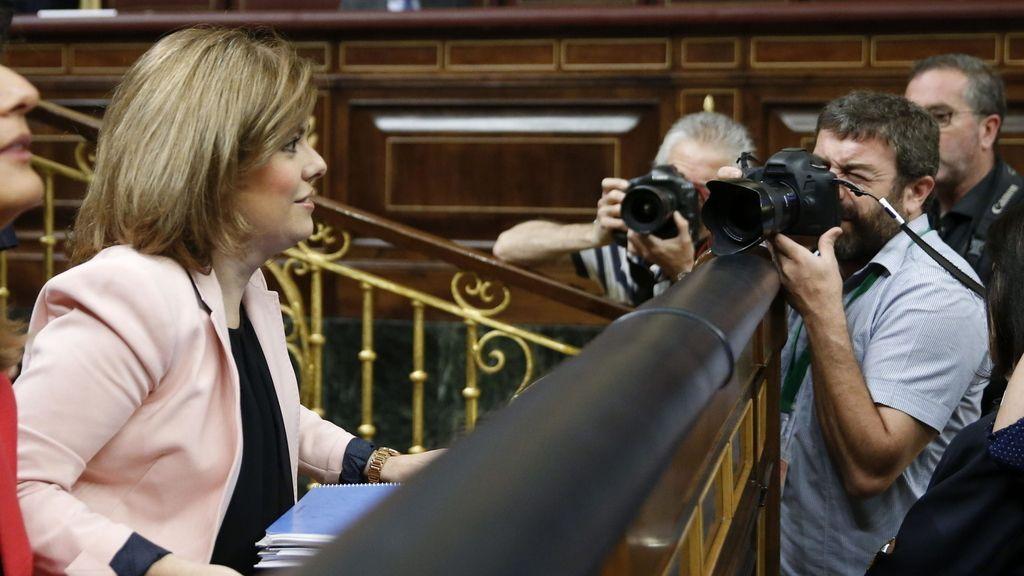 Soraya Sáenz de Santamaría defiende el decreto ley de Medidas urgentes