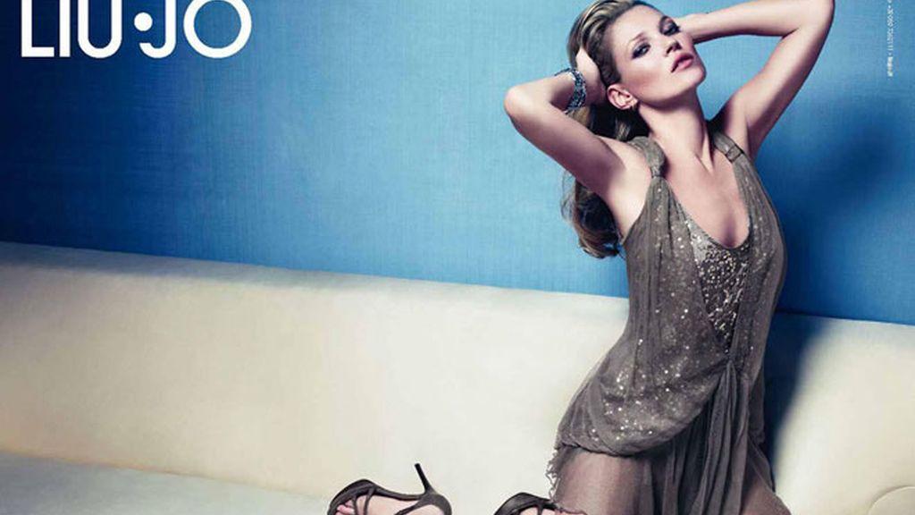 Kate Moss protagoniza la nueva campaña de Lui Jo