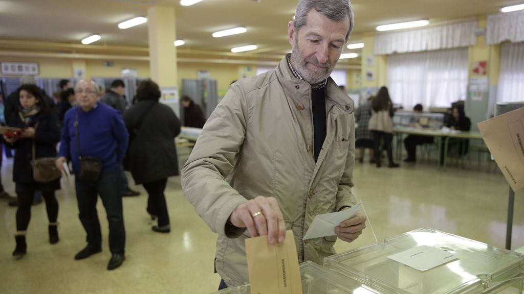 Julio Rodríguez vota en Majadahonda