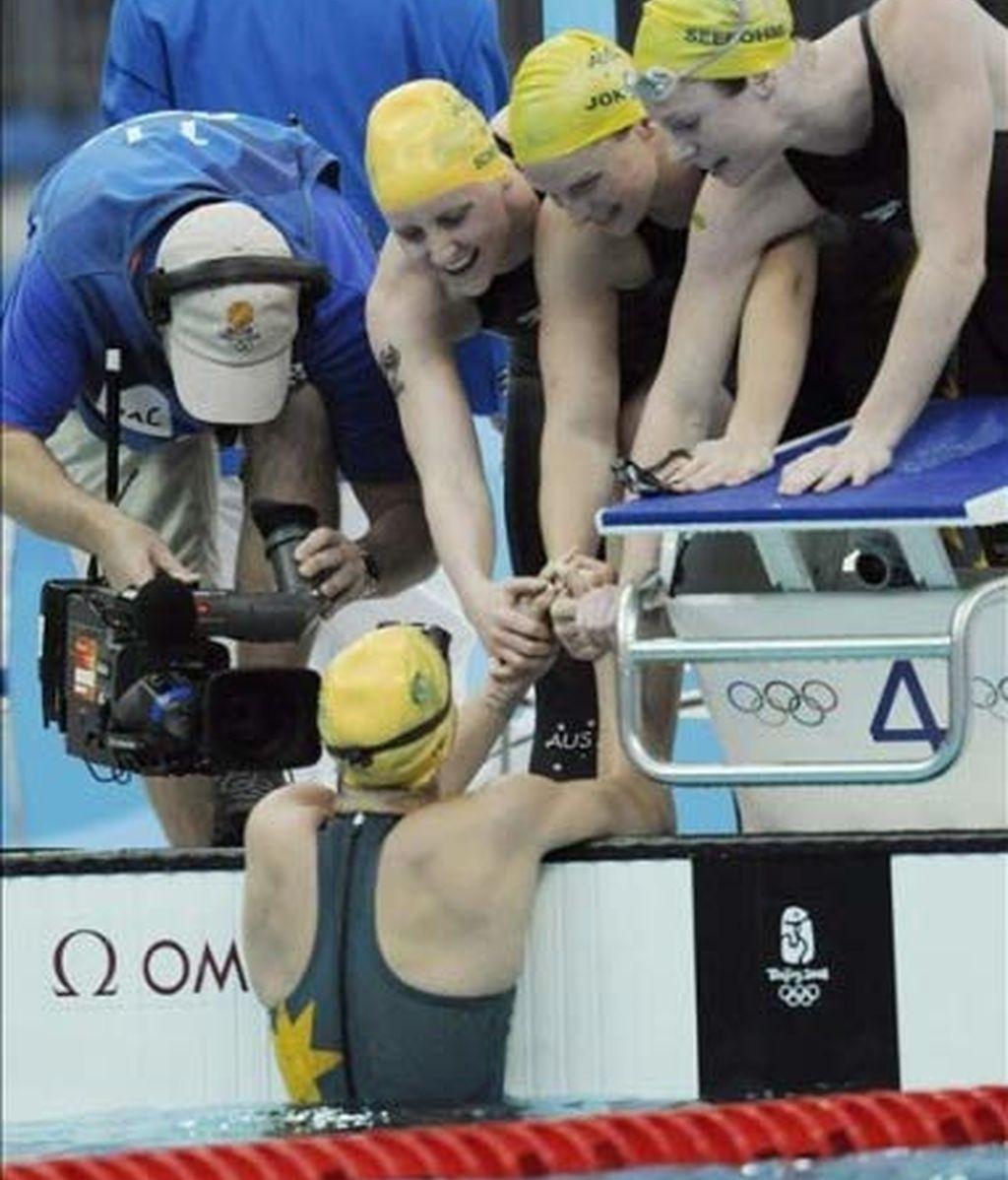 Australia, récord del mundo y oro en 4x100 estilos femeninos