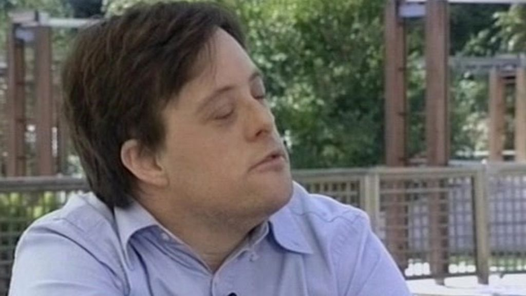 Iñaki Gabilondo entrevista a Pablo Pineda, actor y primer licenciado europeo con síndrome de down (1 de 2)