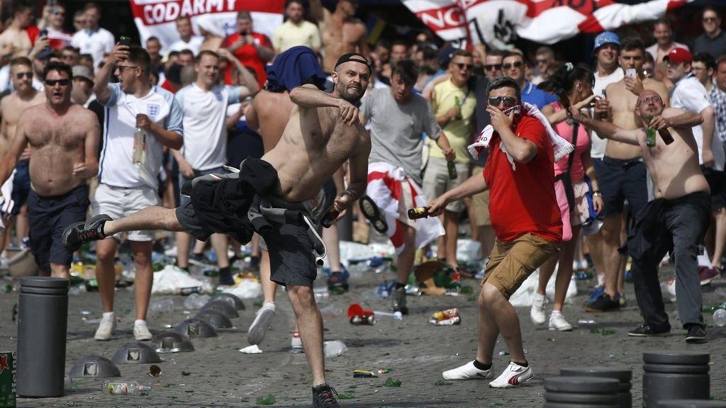 Nuevos enfrentamientos entre 'hooligans' y Policía en Marsella