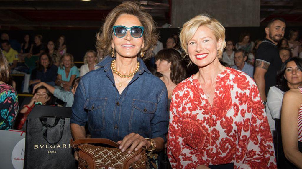 Anne Igartiburu junto a la glamourosa Naty Abascal