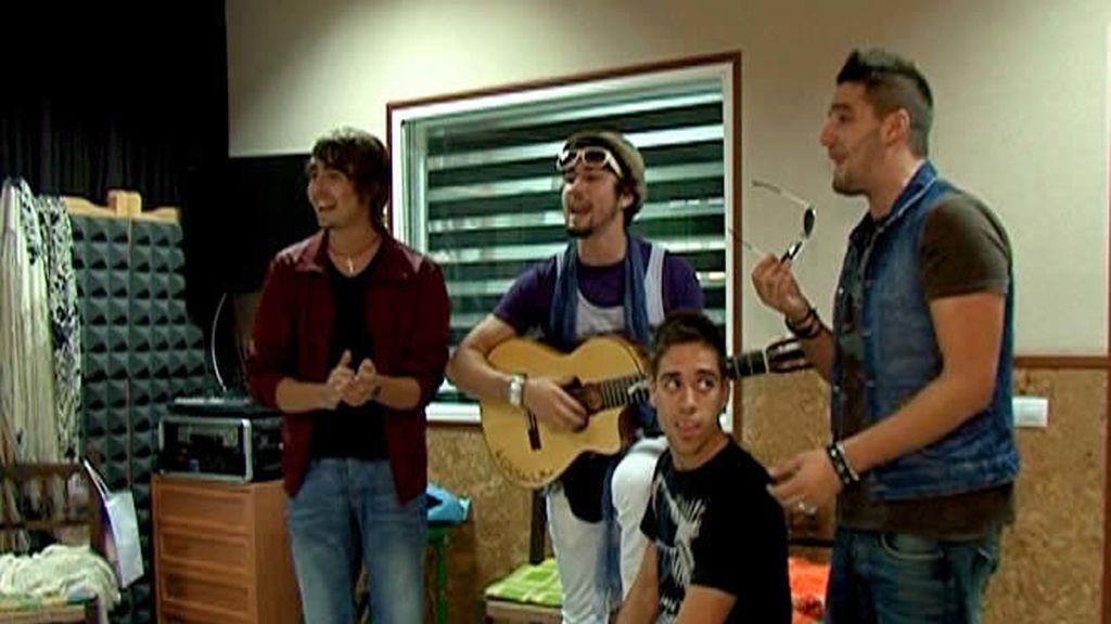 ¡Que no falte la guitarra española ni el arte!