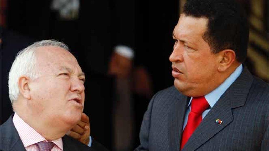 Moratinos y Chávez