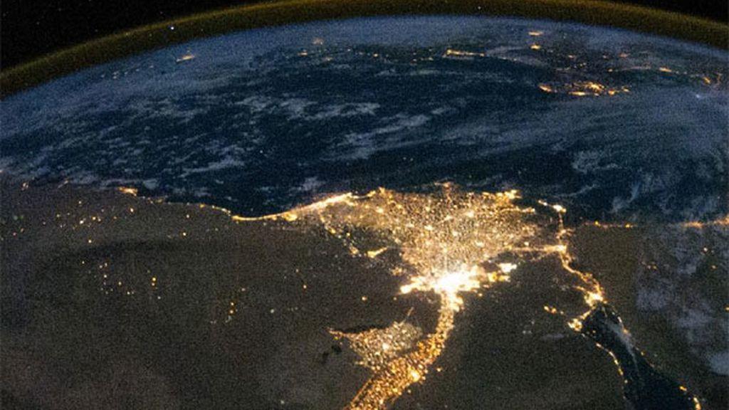 Delta del río Nilo de noche