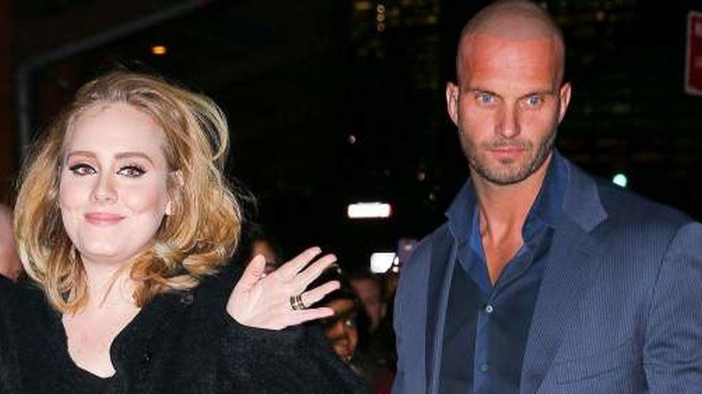 Adele y su guarda espaldas