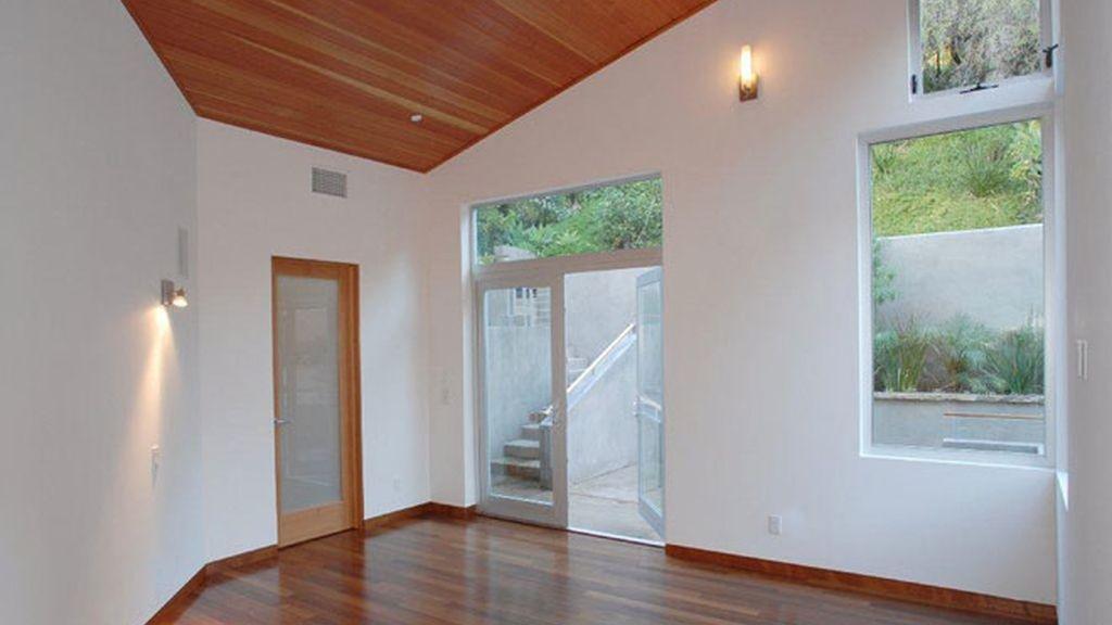 Ashton Kutcher vende su casa de soltero