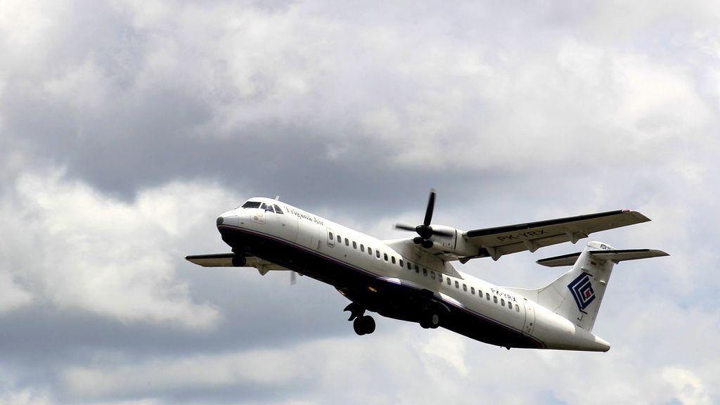 Desaparece un avión indonesio con medio centenar de personas en la región de Papúa
