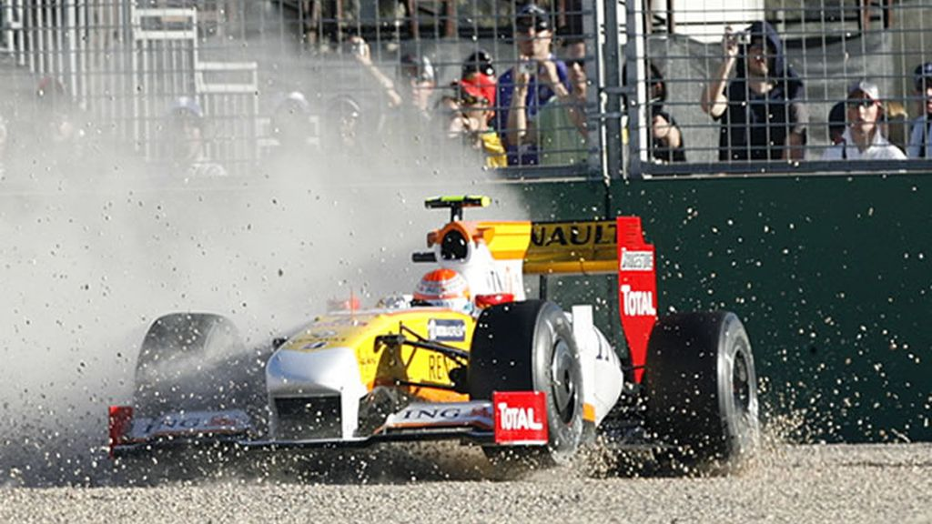 Piquel finaliza la carrera en la arena