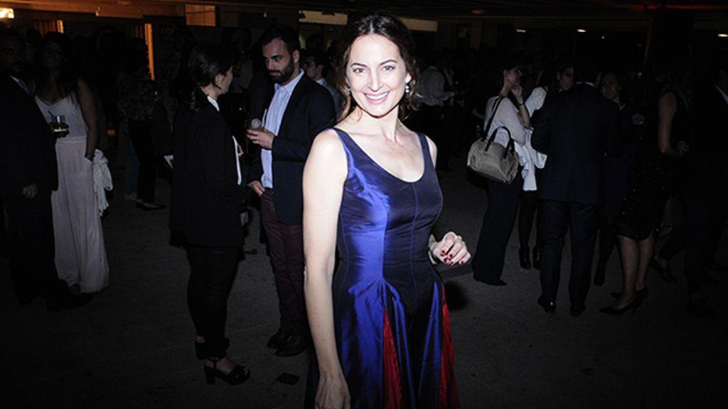 La actriz Cuca Escribano, guapísima con este vestido de Nihil Obstat