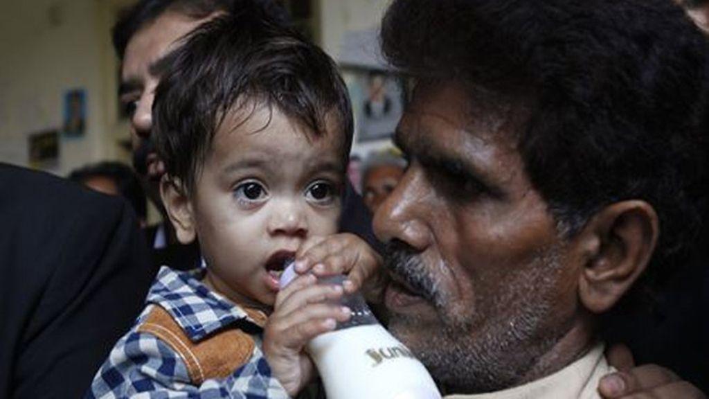Un bebé, acusado de intento de asesinato en Pakistán