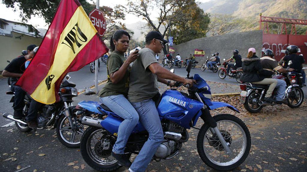 Sentimientos enfrentados tras la muerte de Chávez