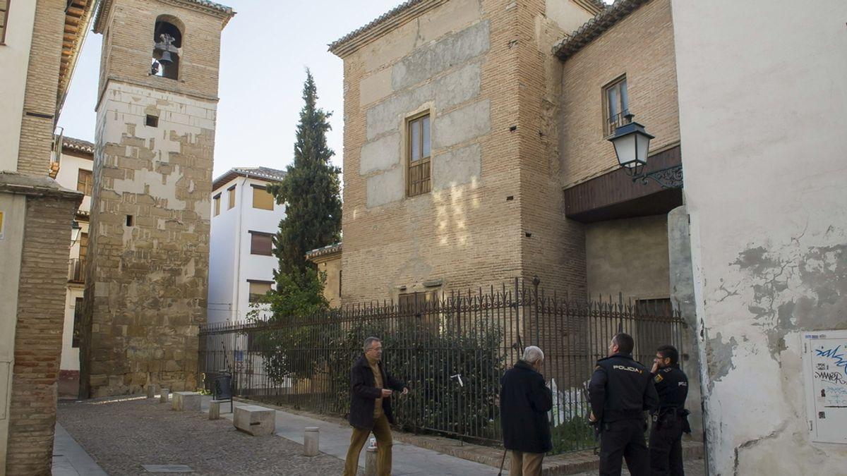 Herido grave un hombre tras quemarse a lo bonzo en un campanario en Granada