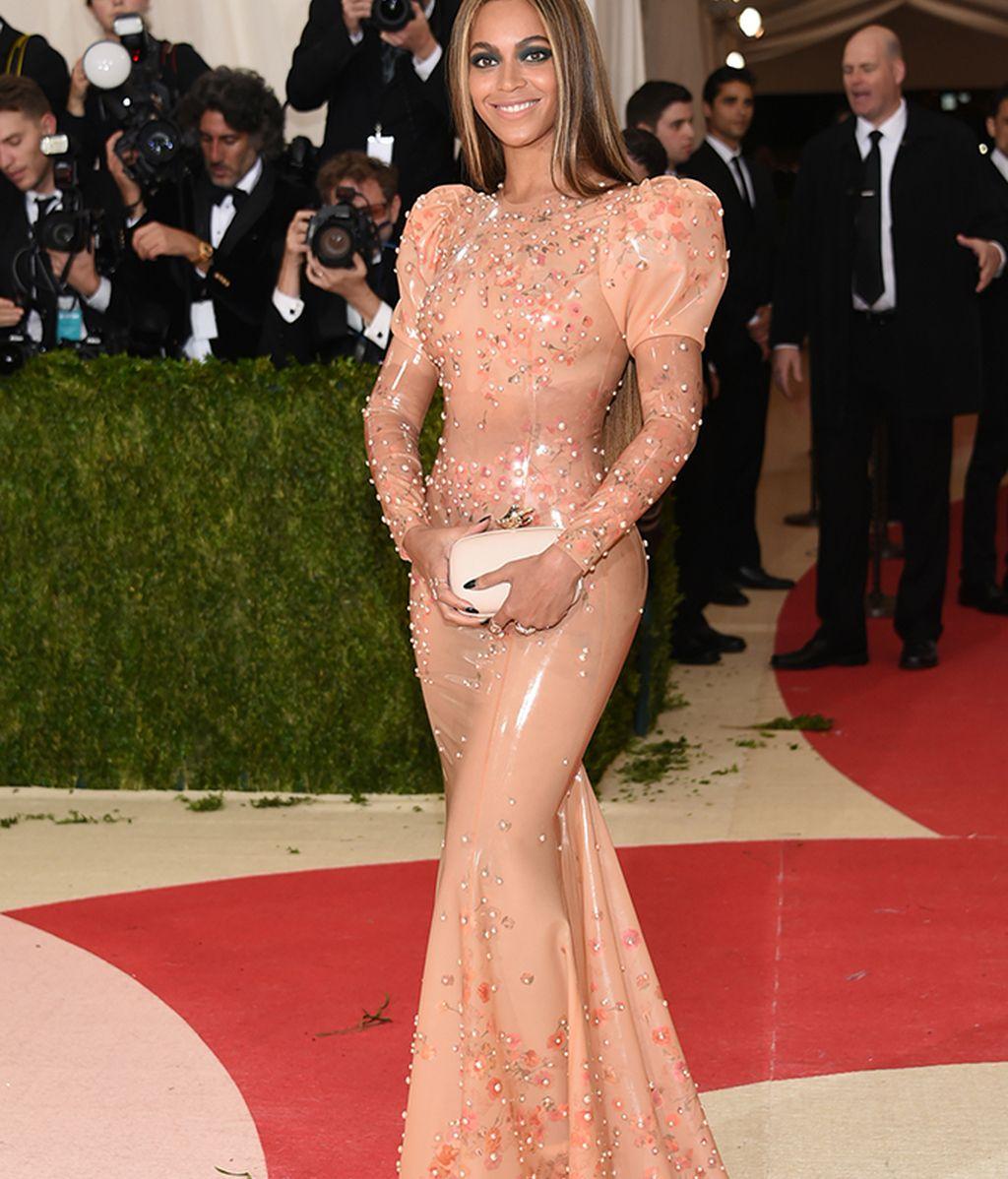 Beyonce con vestido de Givenchy