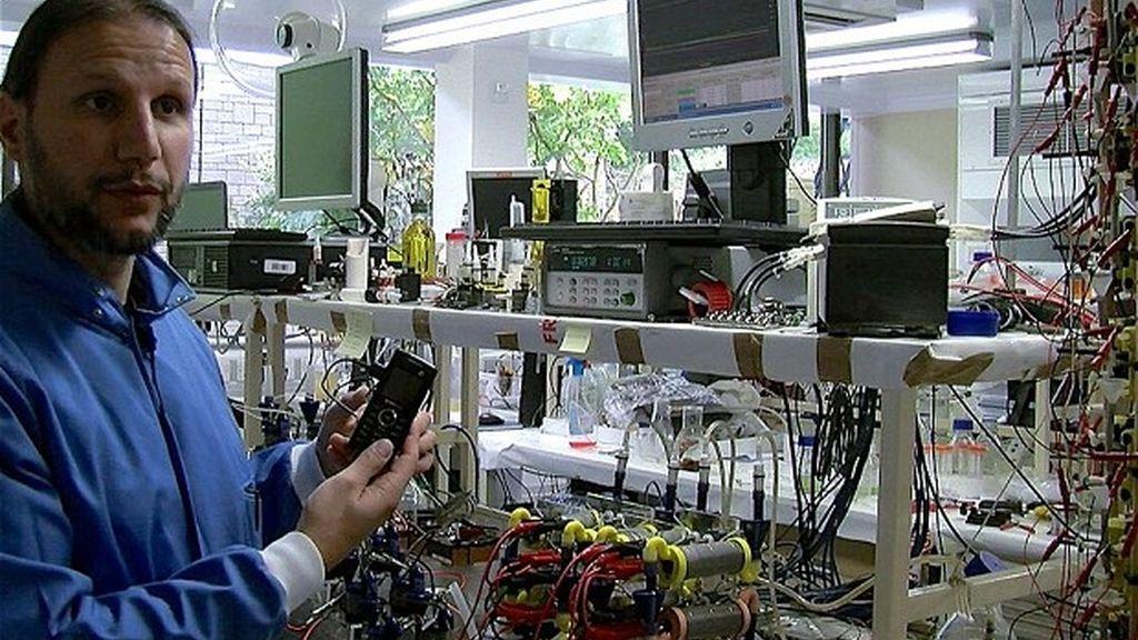 Bill Gates,teléfono móvil,recarga,orina,smartphone