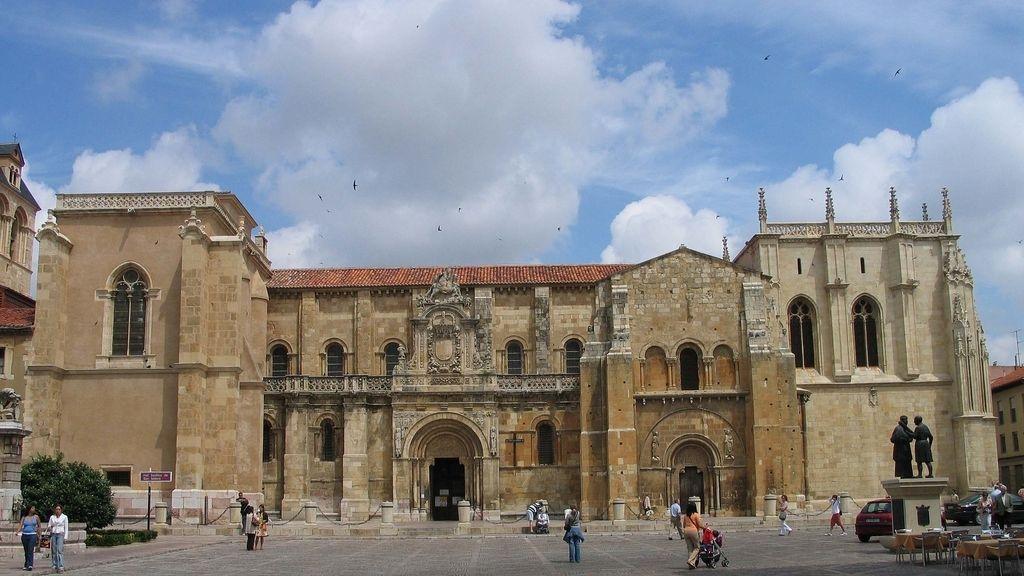 Vista de la Basílica de San Isidoro, León.