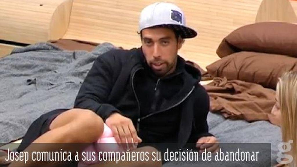 Josep comunica a sus compañeros la decisión de abandonar