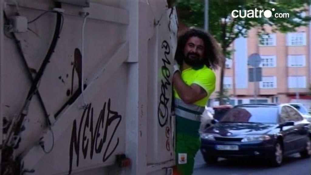 'El Sevilla', un barrendero con 'musho' arte