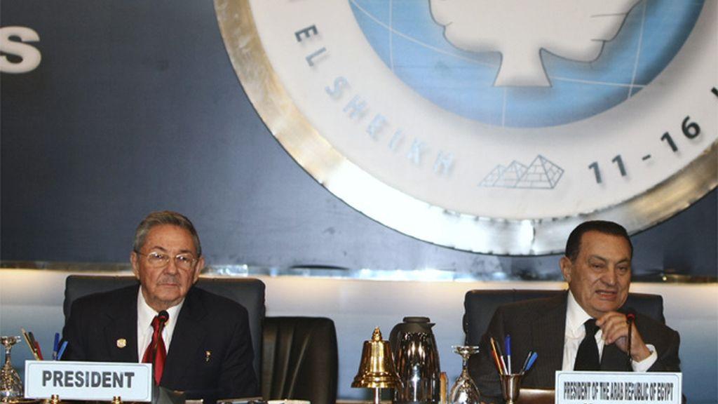 Mesa presidencial de la XV Cumbre del Movimiento de Países No AlienadosR