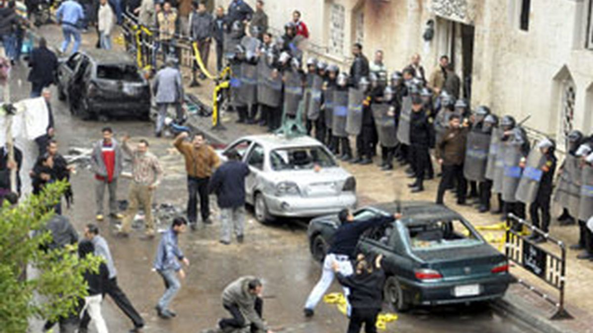 El atentado fue perpetrado frente a una iglesia de la ciudad egipcia de Alejandría. Foto: EFE