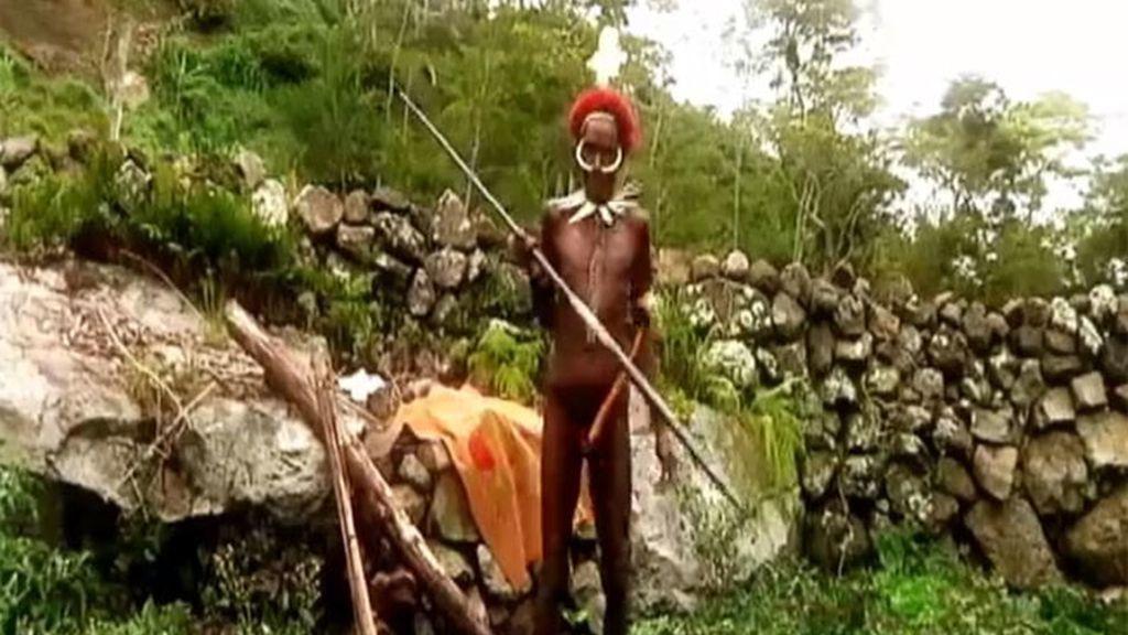 La tribu Dani y korowai en imágenes