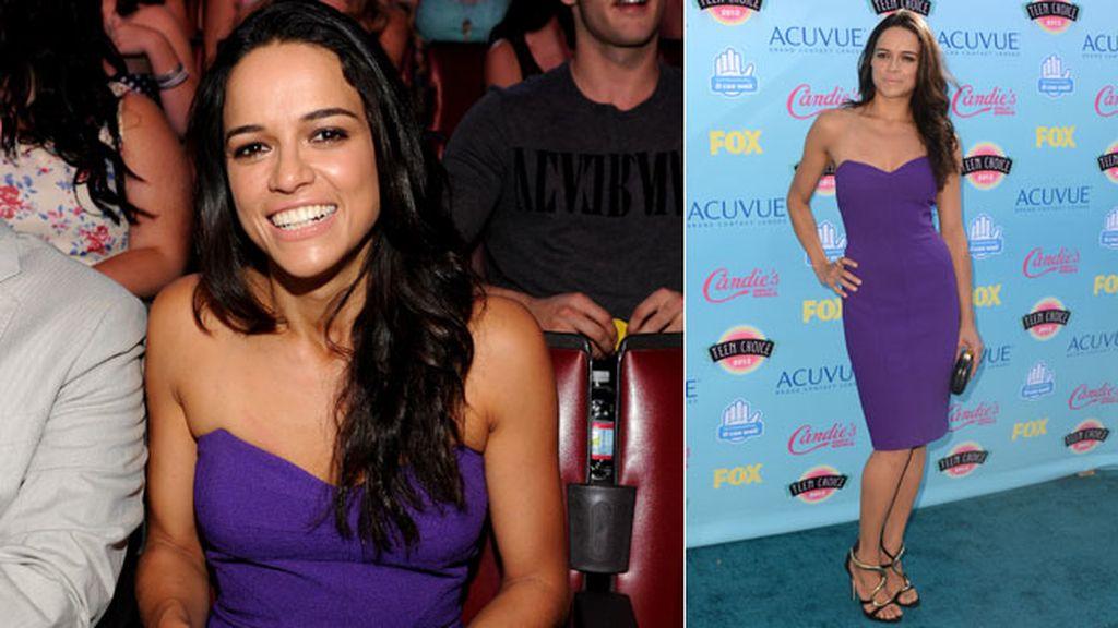 Michelle Rodriguez llevó un favorecedor vestido morado