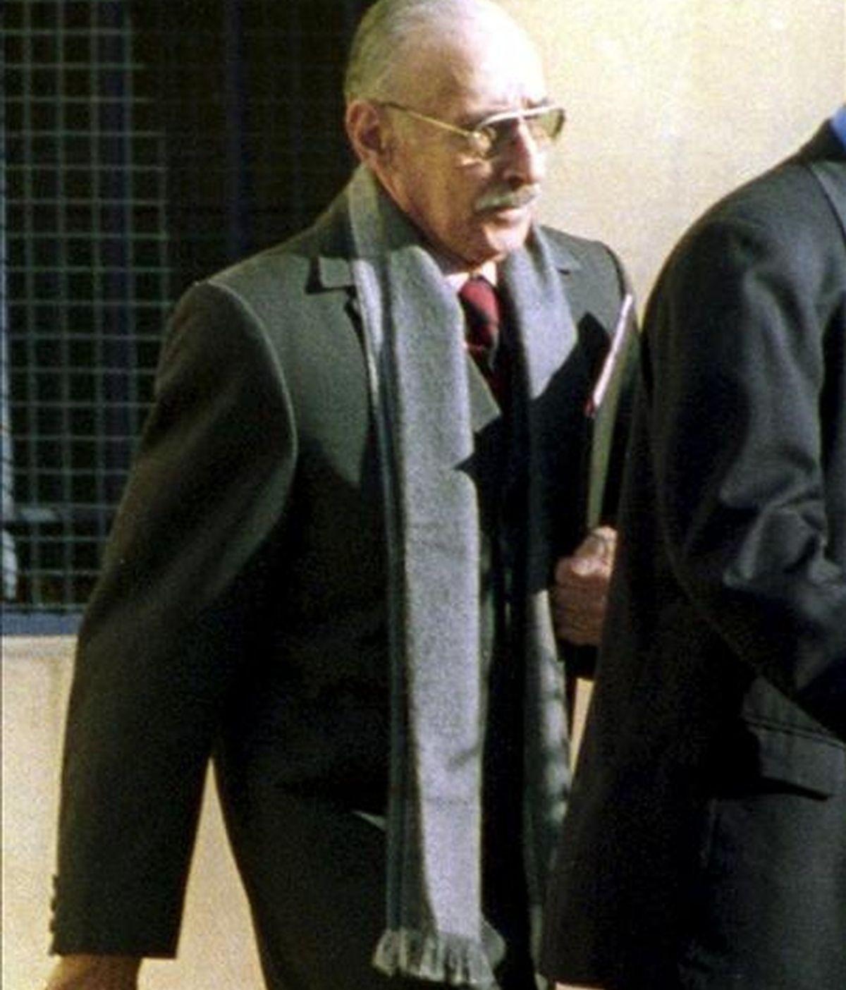 El ex gobernante argentino Jorge Rafael Videla en los Tribunales Federales de Buenos Aires, en agosto del 2003. EFE/Archivo