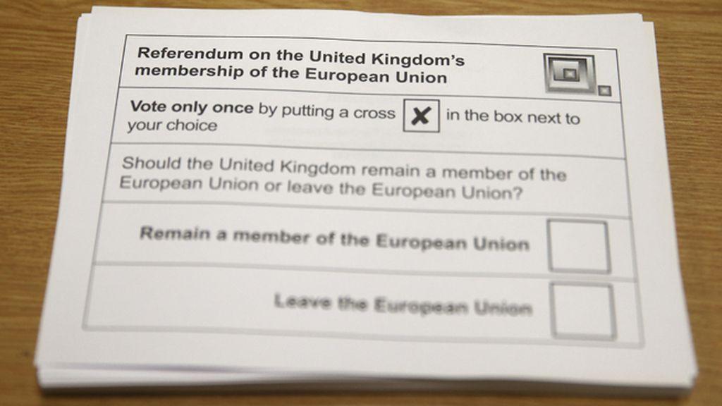 Papeleta de voto en el referéndum por la permanencia del Reino Unido en la UE