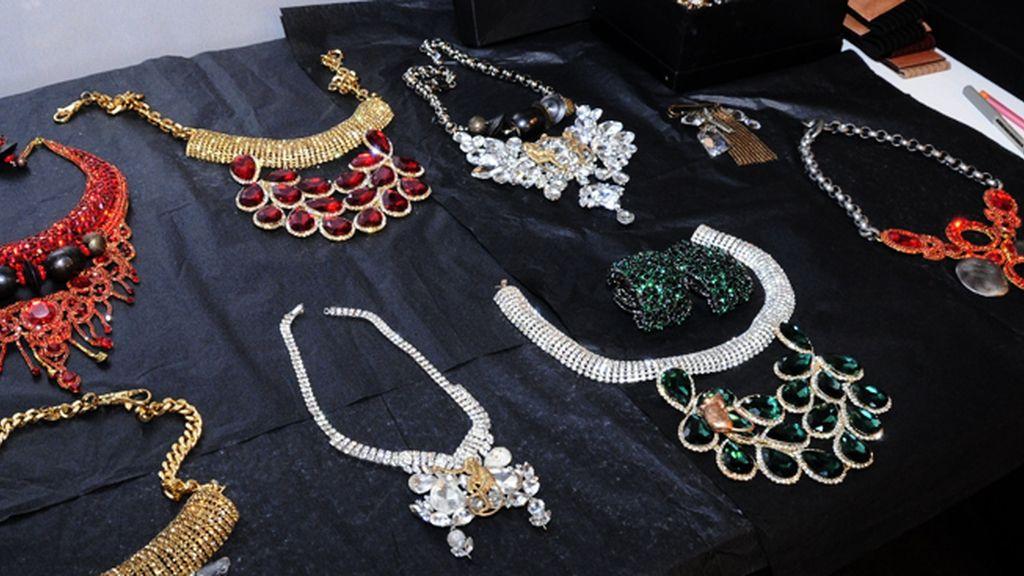 Las piezas de joyería que Ana Locking utilizó para la presentación de su colección McGuffin
